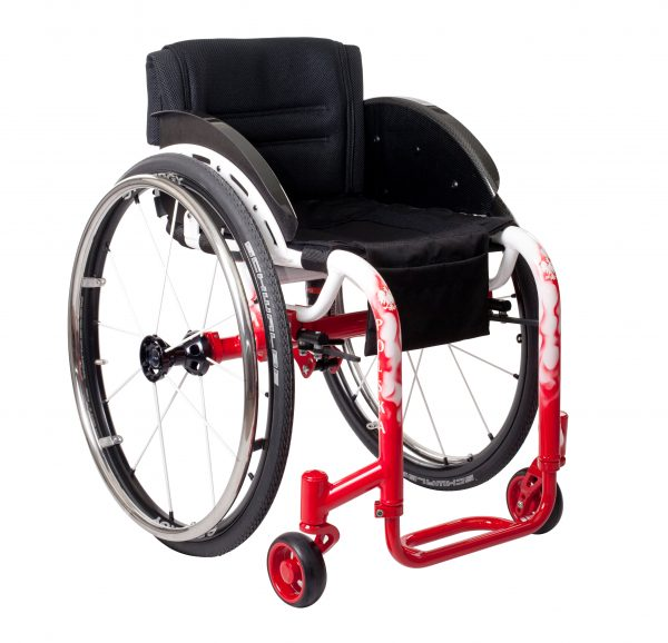 The use of technologically and advanced, built-in air shock means more comfort for you when travelling over bumpy surfaces. It also reduces the risk of damage to the wheelchair.