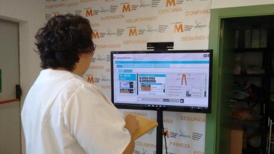 Clinician sets up Rehametrics for patient