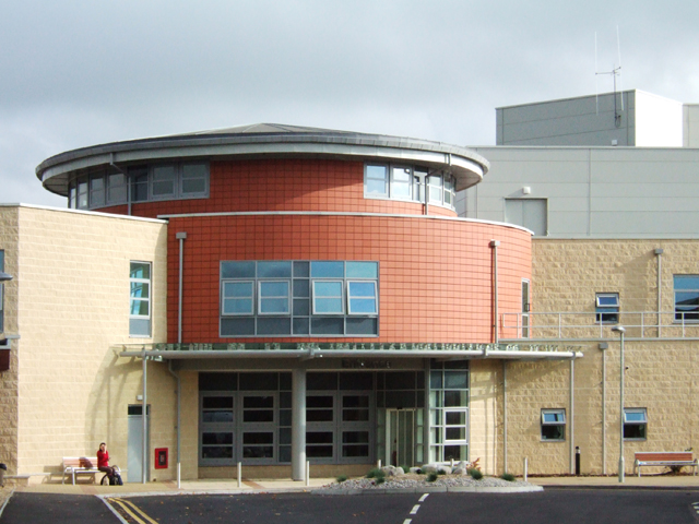 Stoke Mandeville Hospital benefits from wheelchair donation